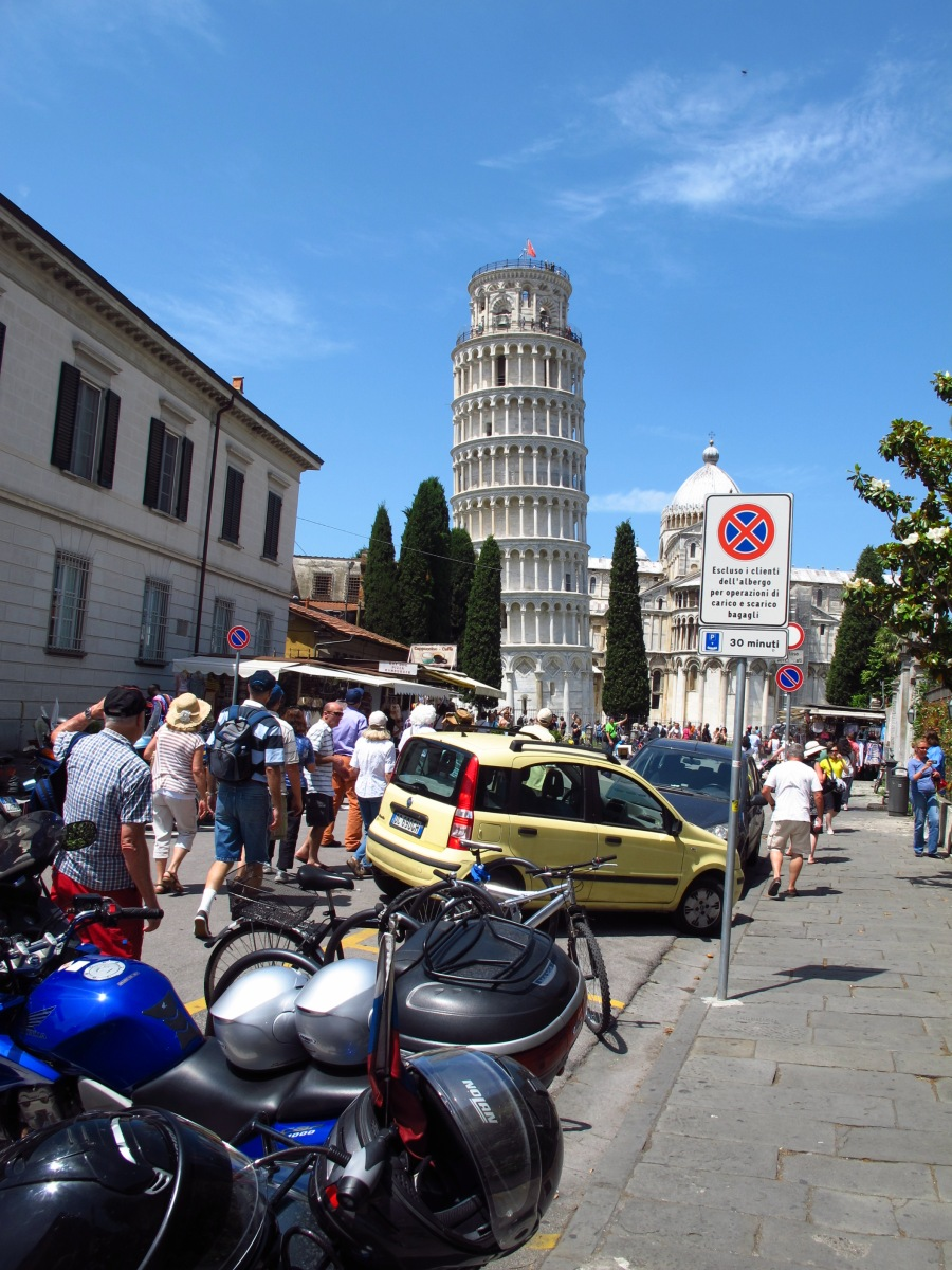 First view of Leaning Tower of Pisa