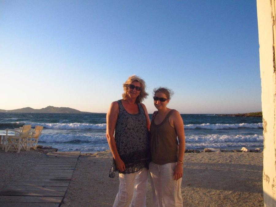 Mother & daughter photo op on Paros