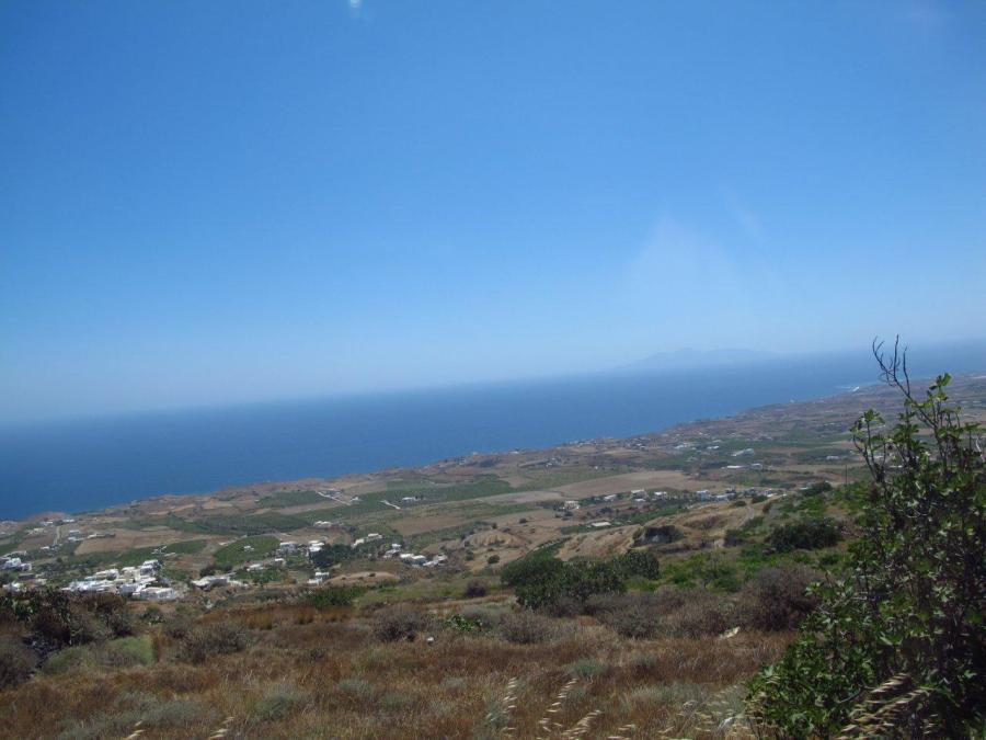 On the road to Oia - Santorini