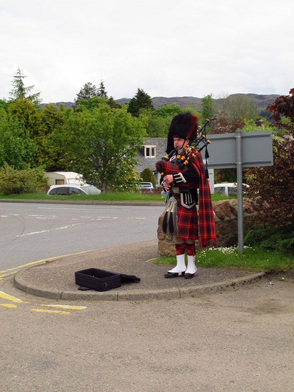 Busking in style, Fort Augustus, Scotland
