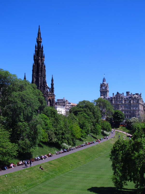 Green space in the middle of Edinburgh