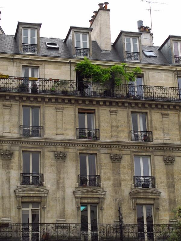 Paris apartment living