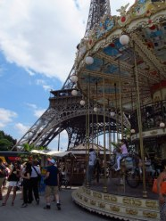 Carousel near the Eiffel Tower