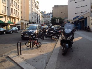 big ones and little ones - bikes in Paris