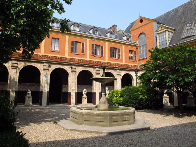courtyard ecole des beaux arts paris