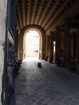 its like a secret passage in paris