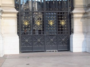 more lovely gates in paris
