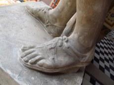 statue detail exole des beaux arts paris