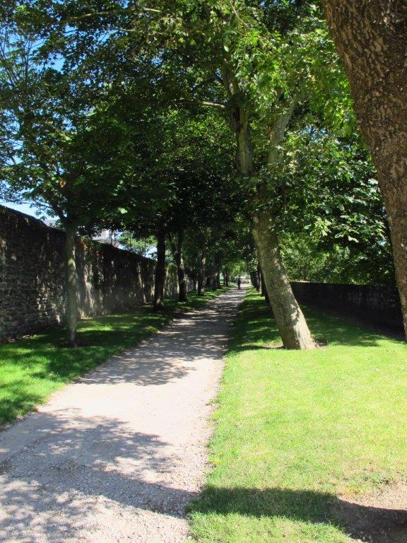 Paths along Old Town walls Boulougne sur Mer