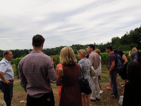 Learning - winery tour Bordereaux region of France