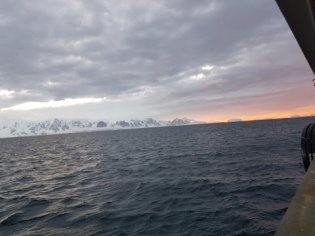 Amazing sky in the Antarctic - almost midnight