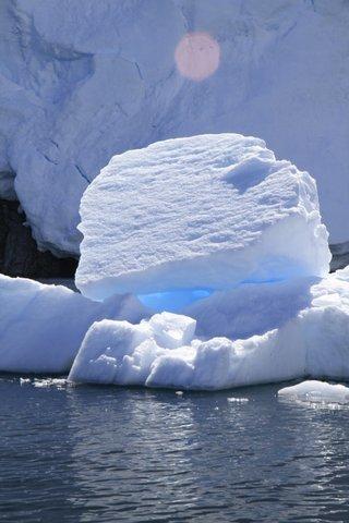 Light through the ice